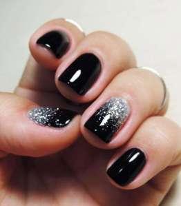 smalto-black-con-cascata-di-glitter-argento