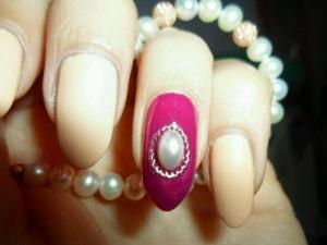smalto-con-perla